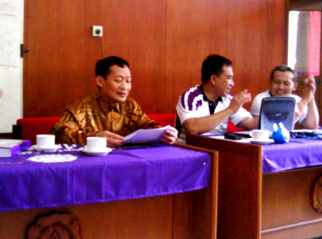 Pak Rektor, PR4, Tim Webometric, sambangi ICT Center FKIP